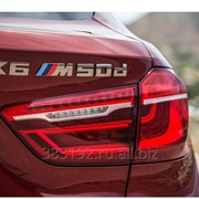 Шильдик X6M 50d на багажник BMW фото