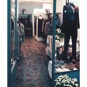Базальтовая плитка для полов в вестибюлях салонов фото
