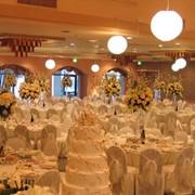 """Оформление свадеб. В свадебном салоне """"Красуня"""" работает дизайн-студия, где Вы можете заказать полный комплекс услуг по оформлению вашей свадьбы фото"""