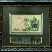 Монеты и банкноты в рамке из итальянского багета фото