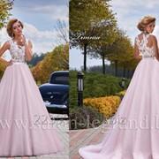 Бескорсетное свадебное платье цвета пудра фото