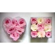Мыло-цветы для купания в прозрачной упаковке фото