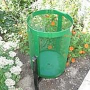 Корзины для мусора с креплениями под бетонирование и крепление фото
