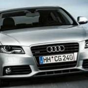 Автомобиль Audi A4 (Ауди А4) фотография
