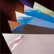 Защитные пленки для пластика, ПВХ, МДФ. Пленки защитные самоклеящиеся. Пленки и пленочные изделия. Резина и пластмассы. фото