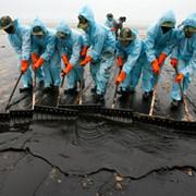 Технология очистки загрязненных поверхностей от нефти, мазута, масел, нефтепродуктов и жиров фото