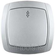 Выключатель Светозар Акцент проходной одноклавишный в сборе, цвет серебристый металлик, 10А/~250В Код:SV-54237-SM фото