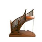Лестницы и пьедесталы фото