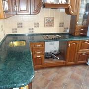 Изготовление столешниц для кухни, ванной комнаты из натурального камня фото