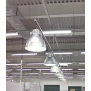 Монтаж систем освещения складов, баз, промышленных объектов, теплиц фото