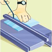 Разрезание плитки плиткорезом фото