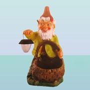 Садовая скульптура Гном с корзиной фото