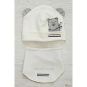 Набор для мальчика молочного цвета (шапка+слюнявчик) Дембохауз Д16-51Мол л фото