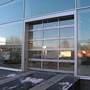 Секционные панорамные ворота серии ISD02 с полным остеклением 2000х2500 фото