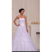 Платье свадебное с открытым верхом фото