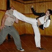 Курсы самообороны, самозащиты для девушек, женщин фото