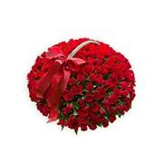 Корзина цветов из 101 розы фото