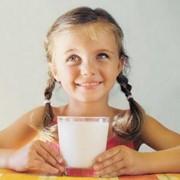 Молоко питьевое фото