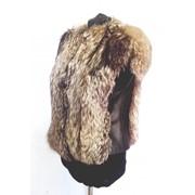 Женские жилетки из меха лисы-чернобурки фото