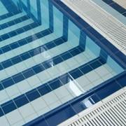 Укладка плитки в бассейне фото