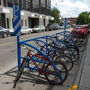 Стоянка велосипедов фото