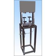 Полуавтомат для укупорки стеклянных бутылок кроненпробкой в составе линий розлива фото