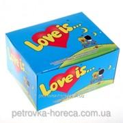 Жевачка Love is со вкусом Банан -клубника блок 100 шт! фото