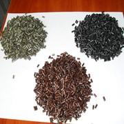 Гранулу полистирола черная фото