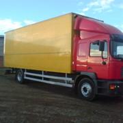 MAN 18.220 2004 red box Год: 2004 Топливо: diesel Кузов: box Цвет: red/yellow Пробег: 415 км фото