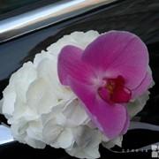 Услуги по свадебному цветочному оформлению фото