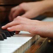 Синтезаторы, цифровые пианино, рояли купить в Алматы фото