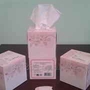Салфетки бумажные в коробке Розовый куб фото