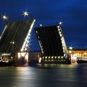 Эженедельный сборный тур в Москву и Санкт-Петербург фото