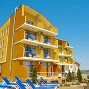 Отель на берегу моря фото