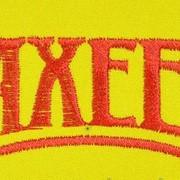 Вышивка логотипа или эмблема фирмы фото