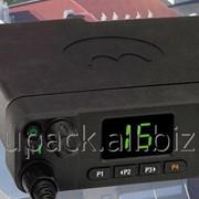 Цифровая автомобильная радиостанция Motorola MotoTRBO DM4400 фото