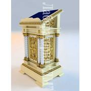 Аналои церковные, престолы, гробница, трон, жертвенники, киоты из твердых пород дерева фото
