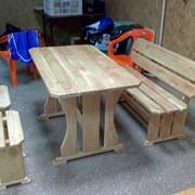 Стол и скамейки деревянные фото