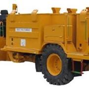 Топливо-смазко грузовик FL-3 фото