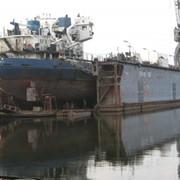 Доковый ремонт судов. фото