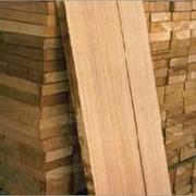 Услуги деревообработки, пиломатериалы, распиловка лесоматериалов, древесины под заказ. фото