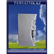 Памятники из белого мрамора с рельефом фото