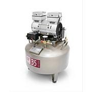 Безмасляный стоматологический компрессор OIL LESS 35 85 л/мин фото
