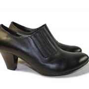 Кожаные туфли на каблуке фото