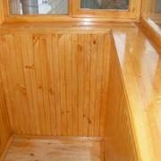 Обшивка балконов деревом фото