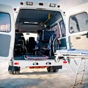 Перевозка лежачих больных и инвалидов-колясочников фото