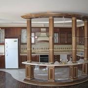 Кухня классическая с колонами фото