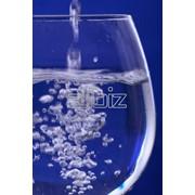 Вода высокой степени очистки, дистиллированная вода фото