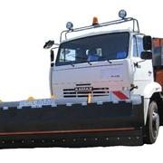 Техника коммунальная для сметания мусора с проезжей части дорог и патрульной снегоочистки. фото