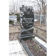 Памятник вертикальный гранитный для кладбища с крестом фото